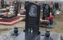 Памятник бабушке на кладбище