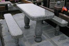 Скамейка из гранита на кладбище